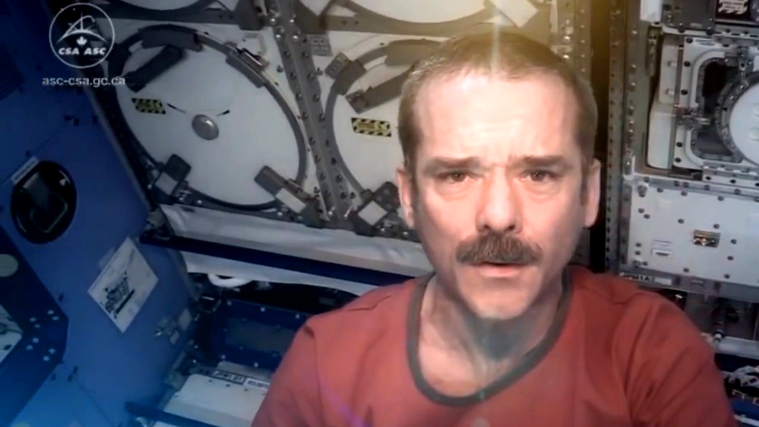 Screenshot_Hadfield_ISS_Mein Leben im All