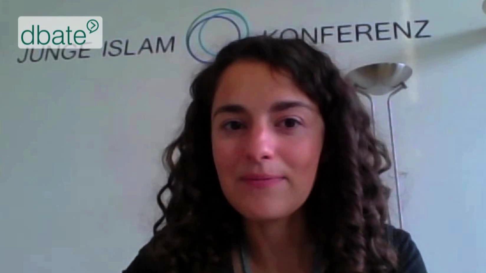 Screenshot_dbate_Esra Kurcuk_Junge Islam Konferenz_2014_1