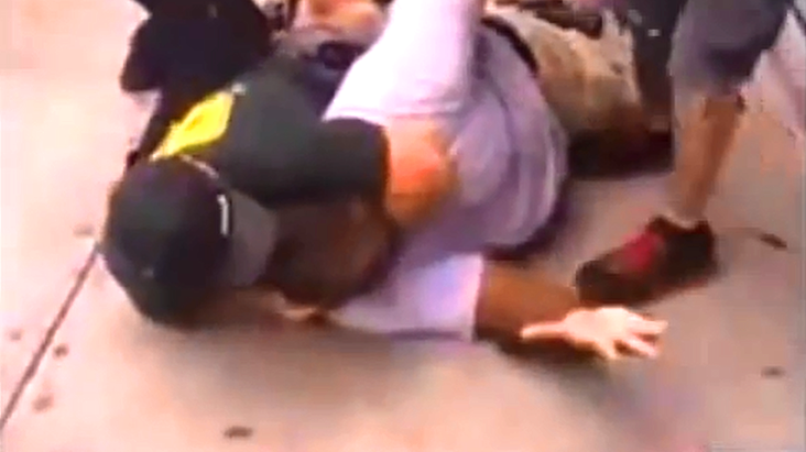 Screenshot_dbate.de_Eric Garner_YouTube_NYC_2014