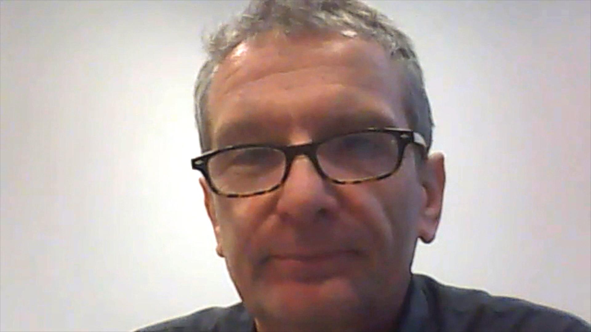 Eulenspiegel-Chef Matthias Wedel guckt in die Kamera