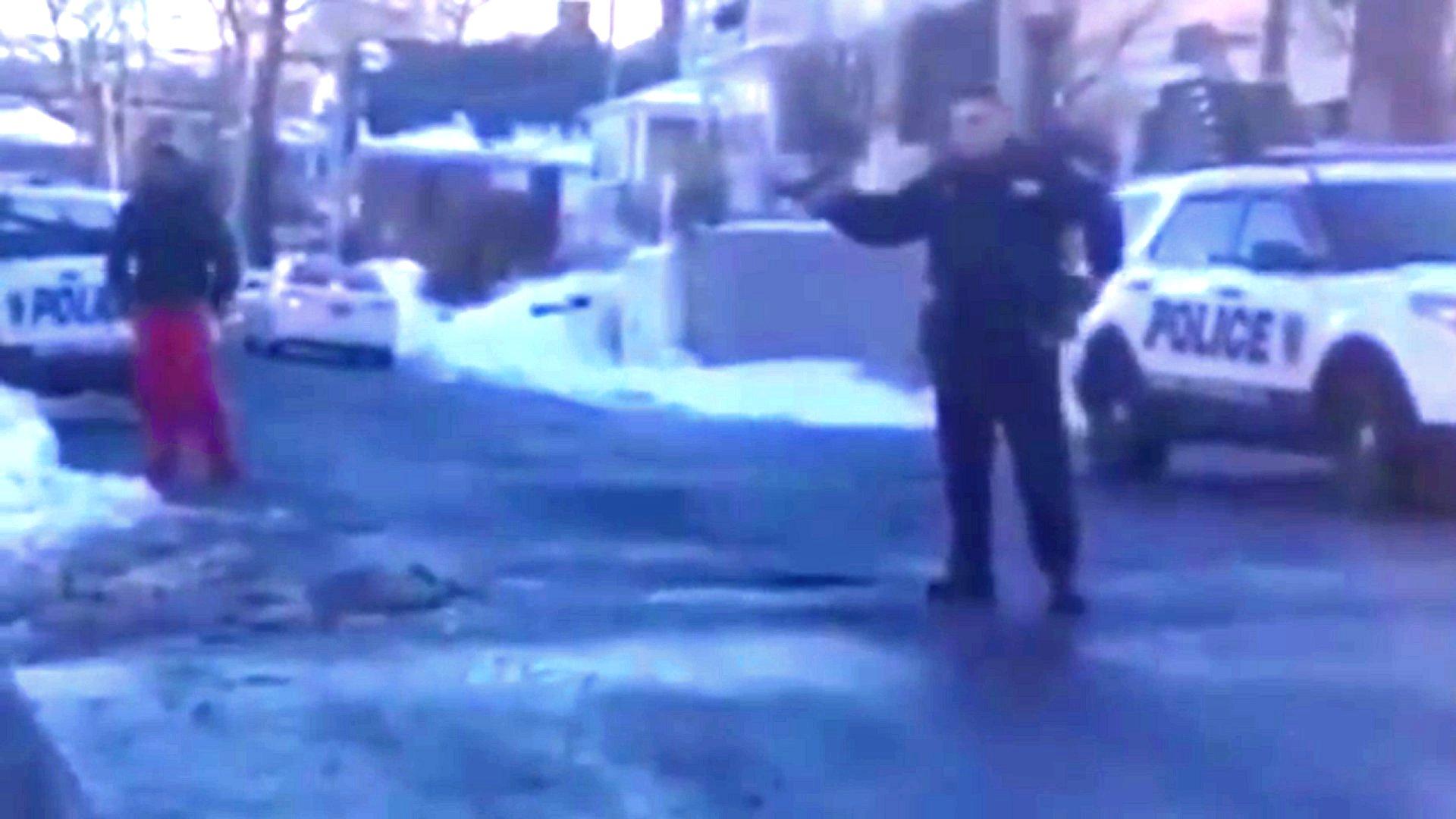 Polizist richtet Waffe gegen Jugendlichen in New York
