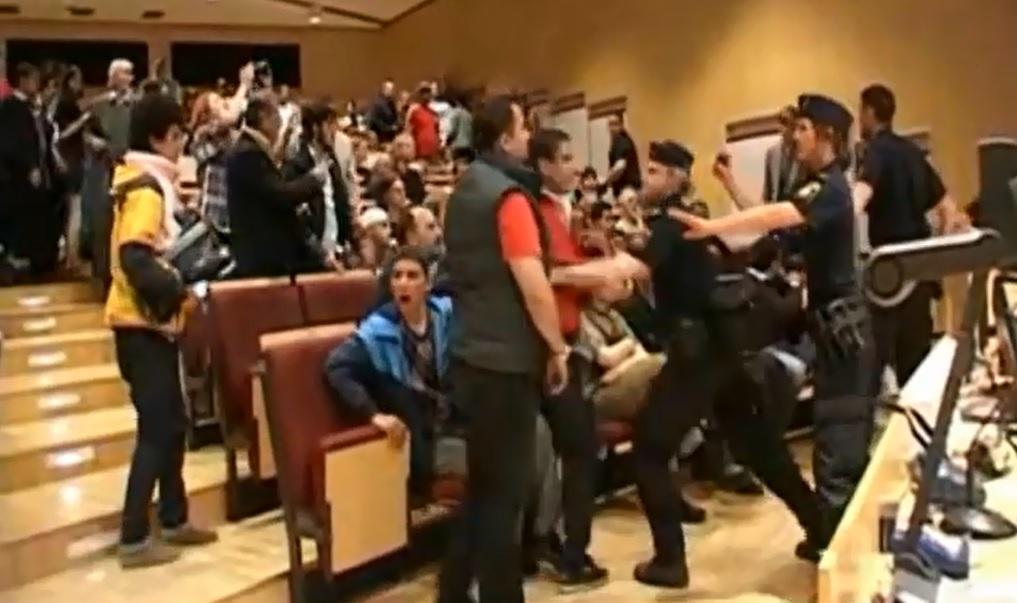 Unruhen im Hörsaal in Uppsala 2010