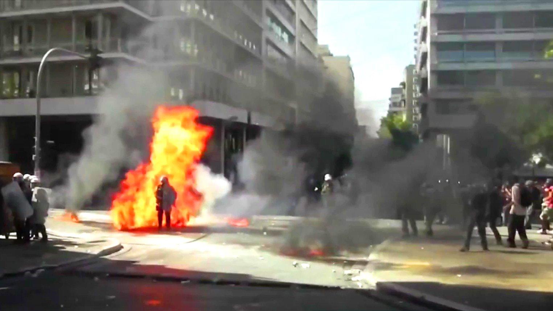Straßenschlachten und Krawalle in Athen, Griechenland.