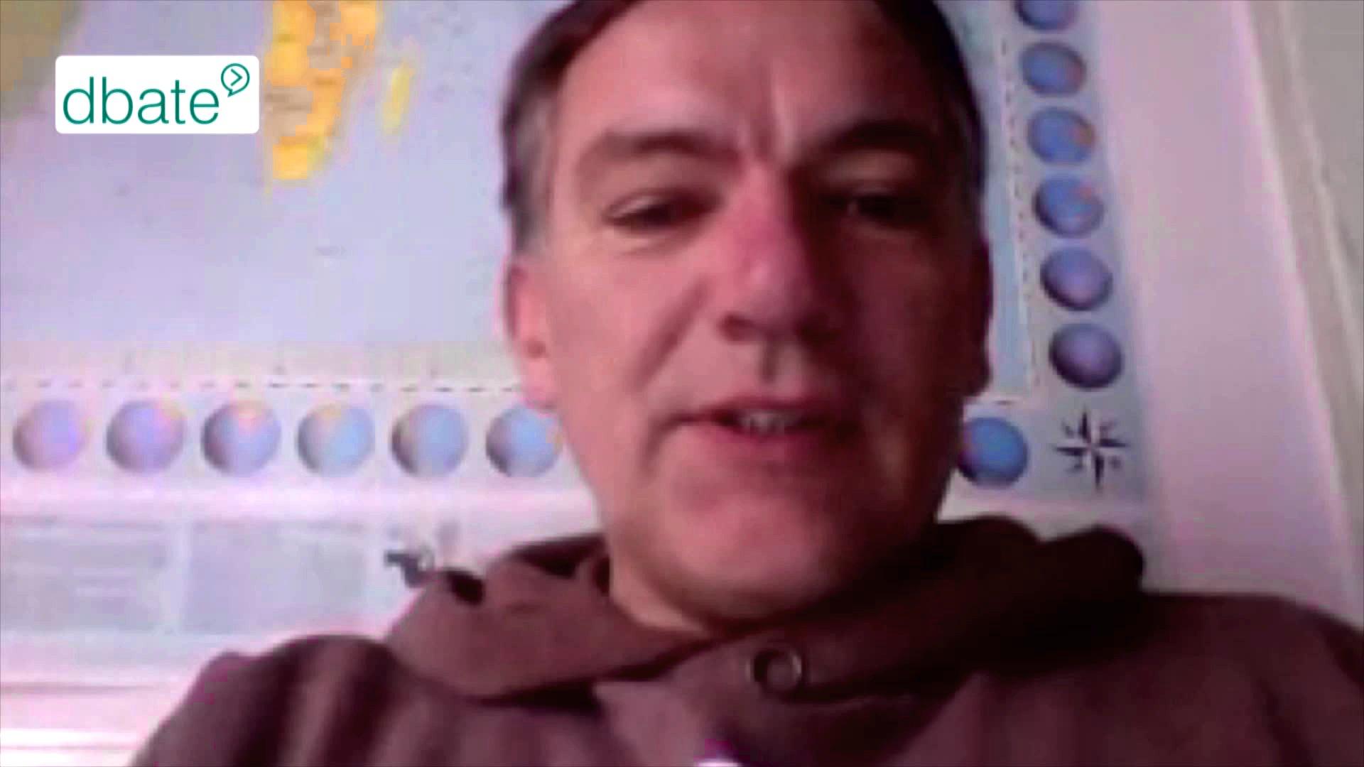 Jan van Aken (DIE LINKE) spricht im dbate-Skypeinterview über Rüstungsexporte nach Saudi-Arabien.