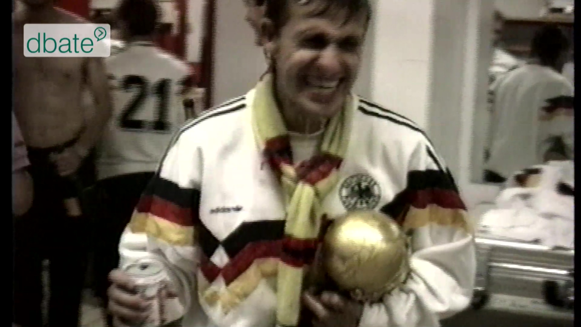 Party in der Kabine nach dem WM-Finale 1990.