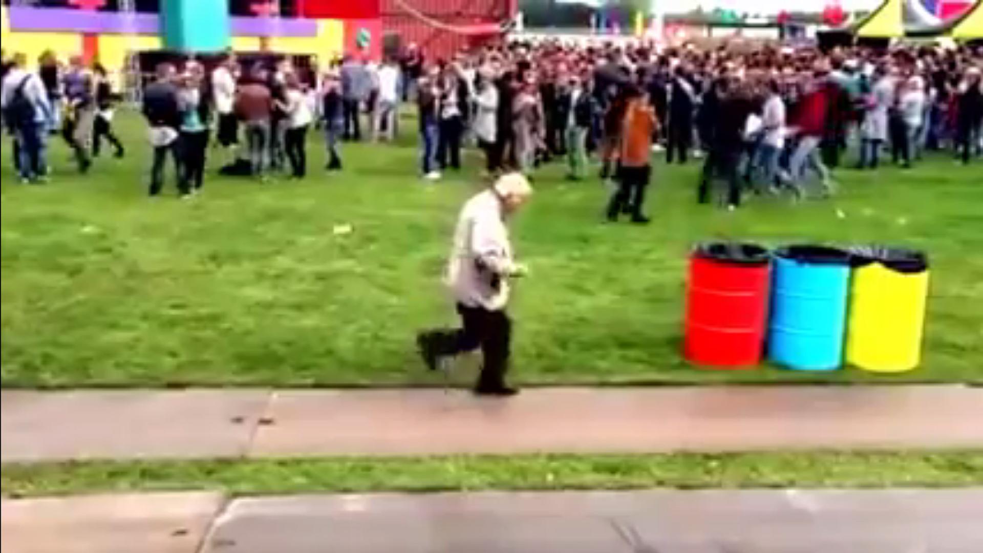 Opa tanzt auf Elektro, Holland 2015.