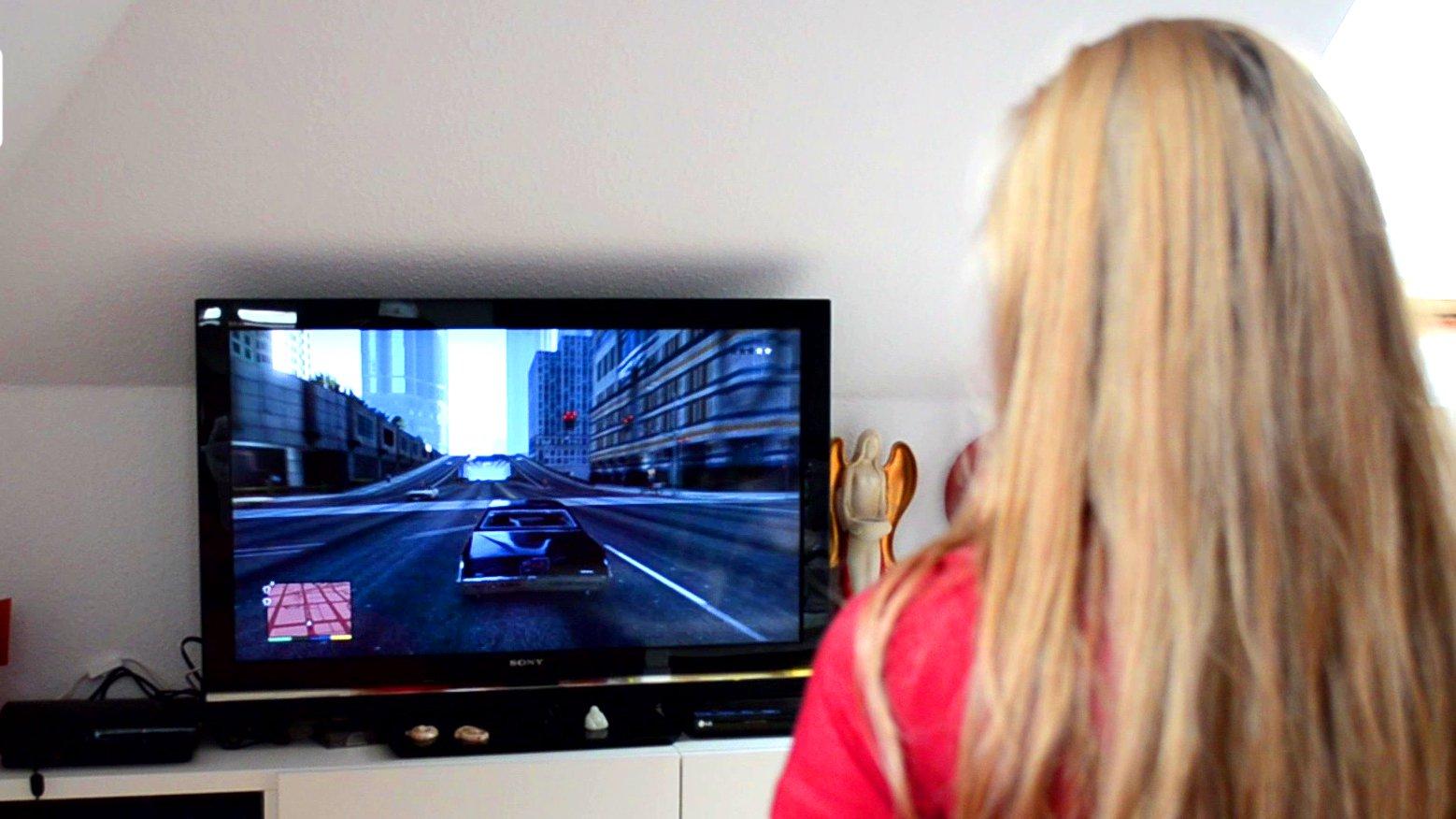 dbate.de_Screenshot_Videotagebuch_Dokumentation_Mein Leben als Spiel - die Welt der Gamer_2015_2