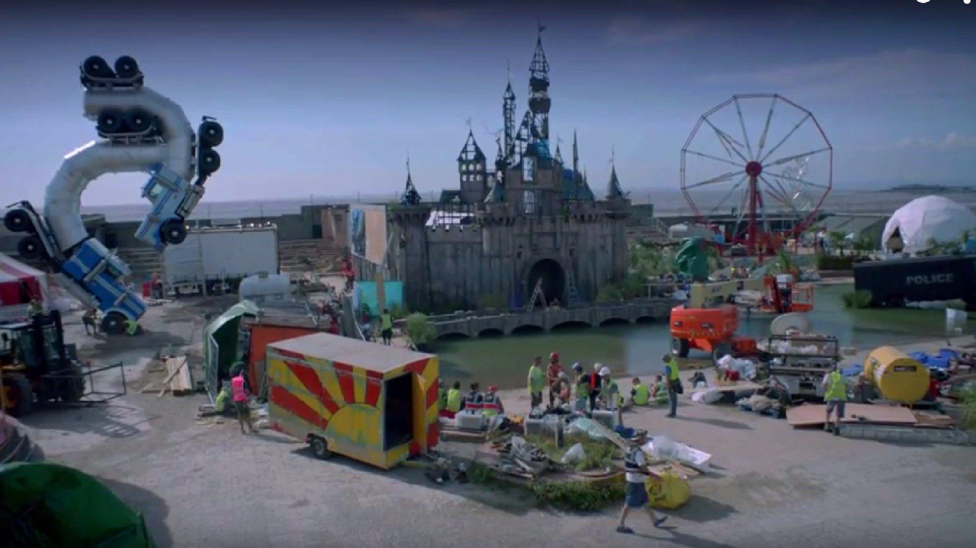 Werbefilm von Banky's Anti-Vergnügungspark in England.