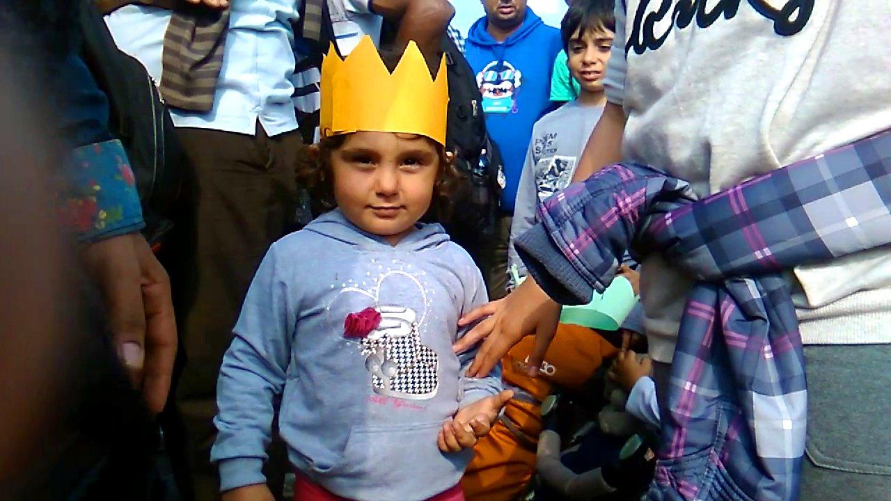 Videotagebuch von freiwilligen Helfern bei Flüchtlingen in Ungarn und Österreich