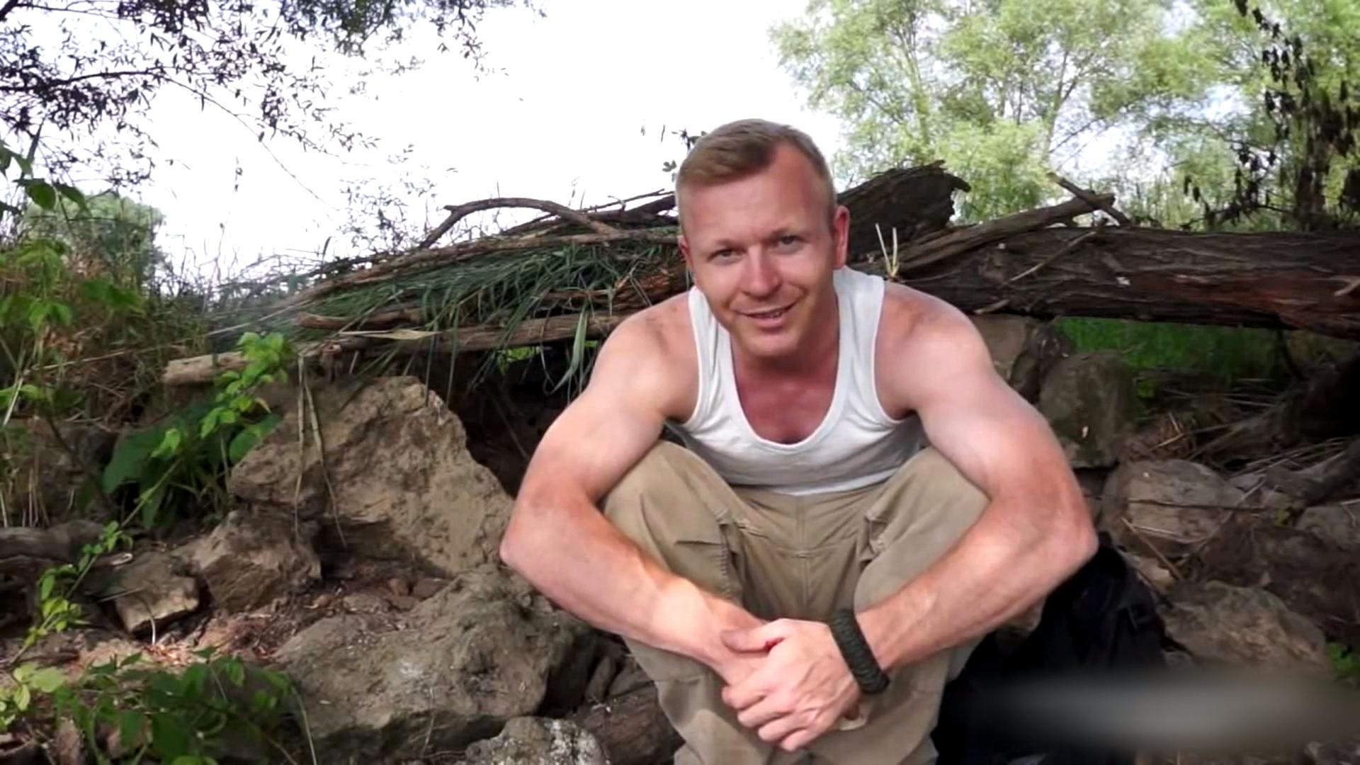 Digital Diary Mein Tutorial - YouTuber Stefan Hinkelmann bei einem Außendreh