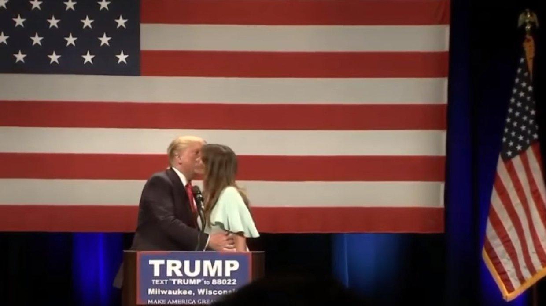 Flash: Donald Trumps First Lady bei Wahlkampfveranstaltung