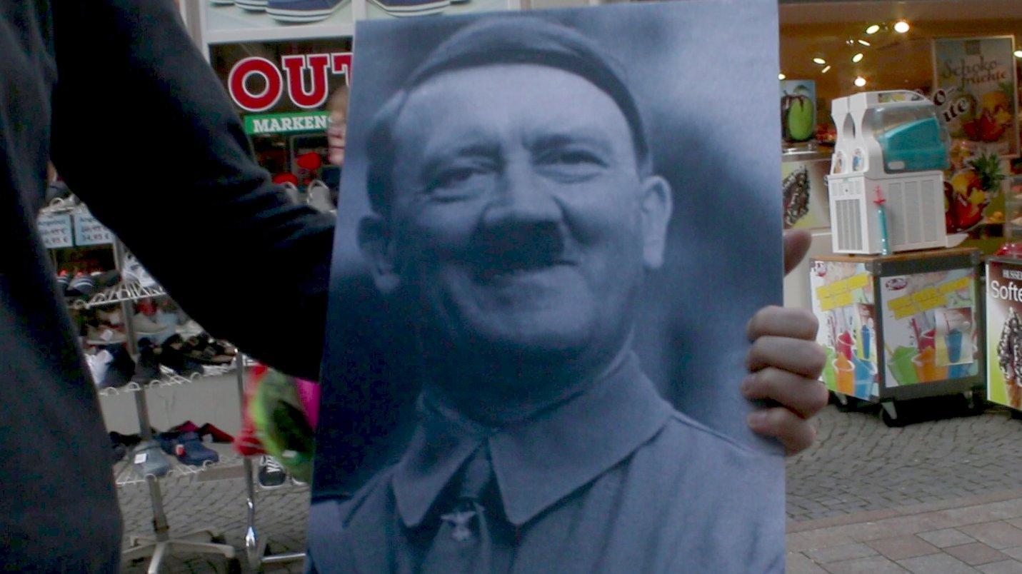 Umfrage in Eisenach zum 127. Führer-Geburtstag
