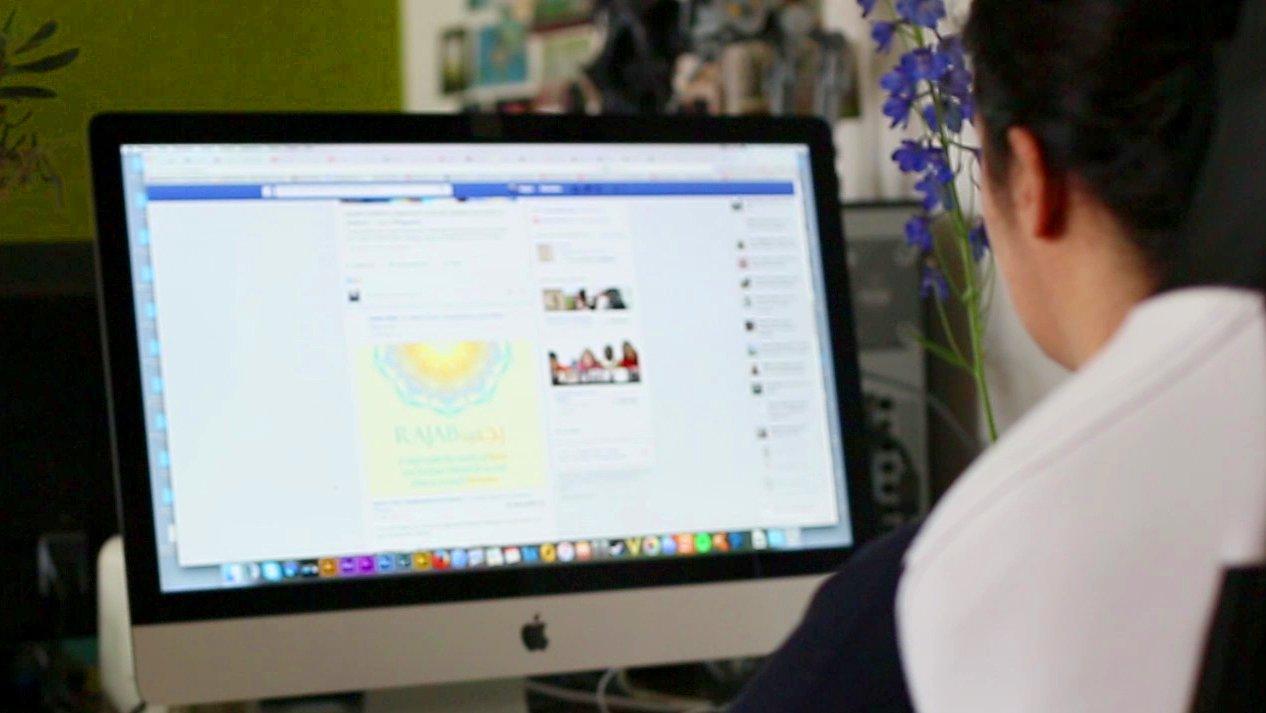 dbate-Kolumnistin Nilgün Akinci zu Facebook-Haters