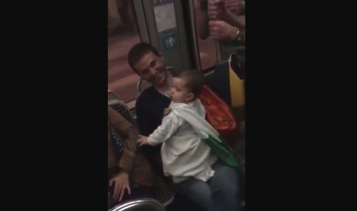 Irische Fans singen Schlaflied für Baby