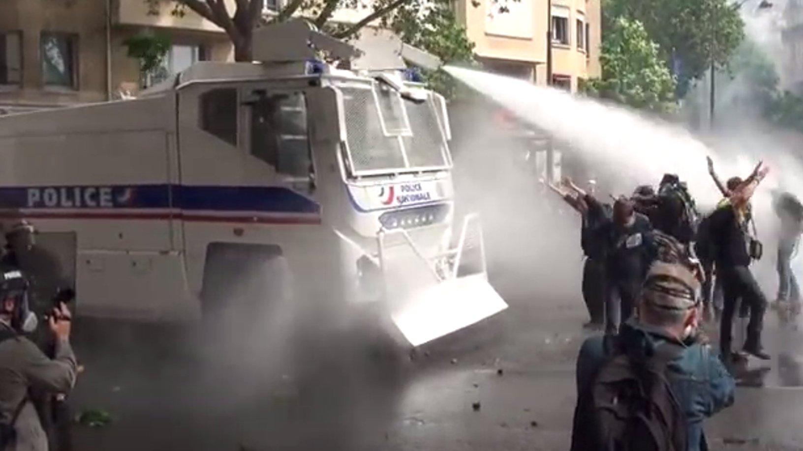 Flash: Unruhen in Paris 14.Juni