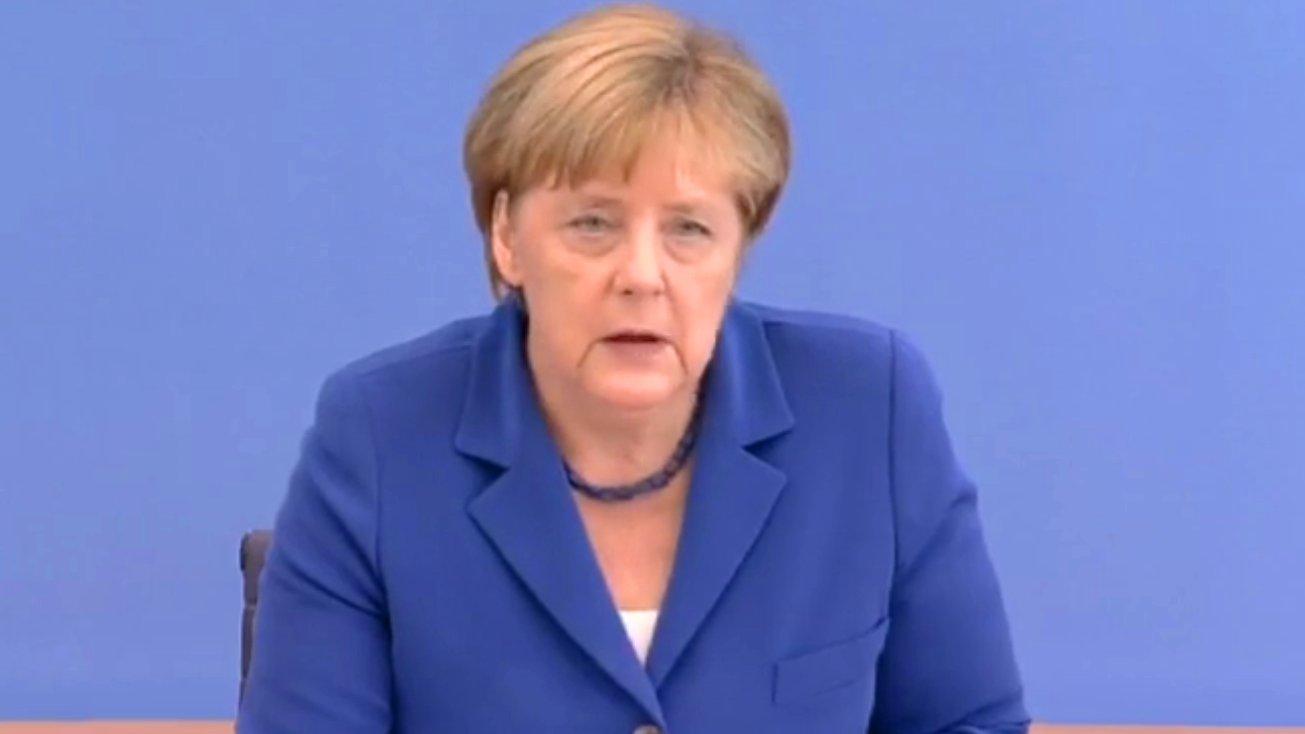 Sommer-Pressekonferenz mit Angela Merkel