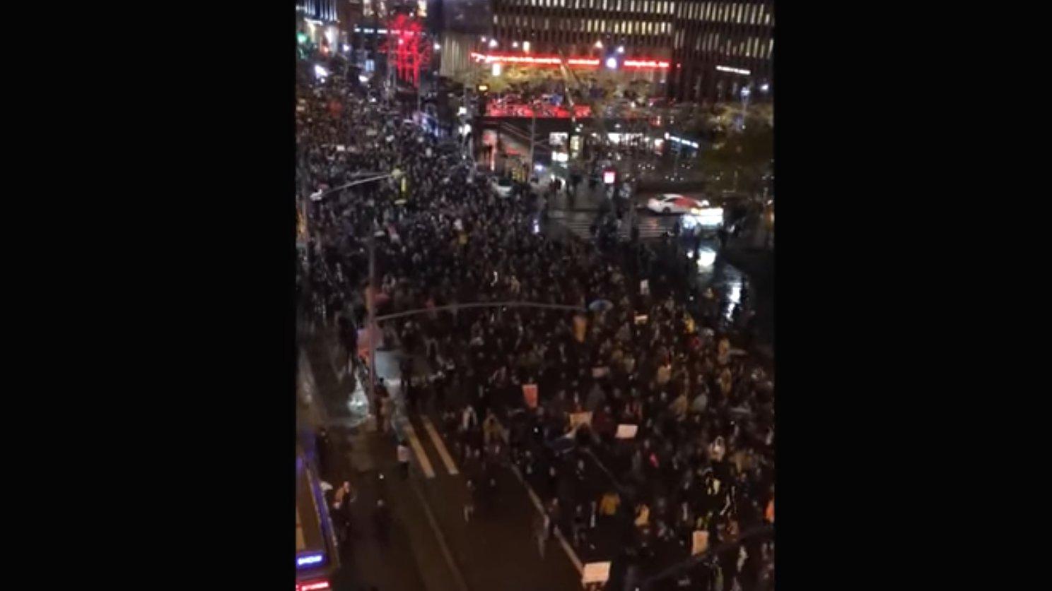#Trump Protest: Tausende demonstrieren gegen Trump