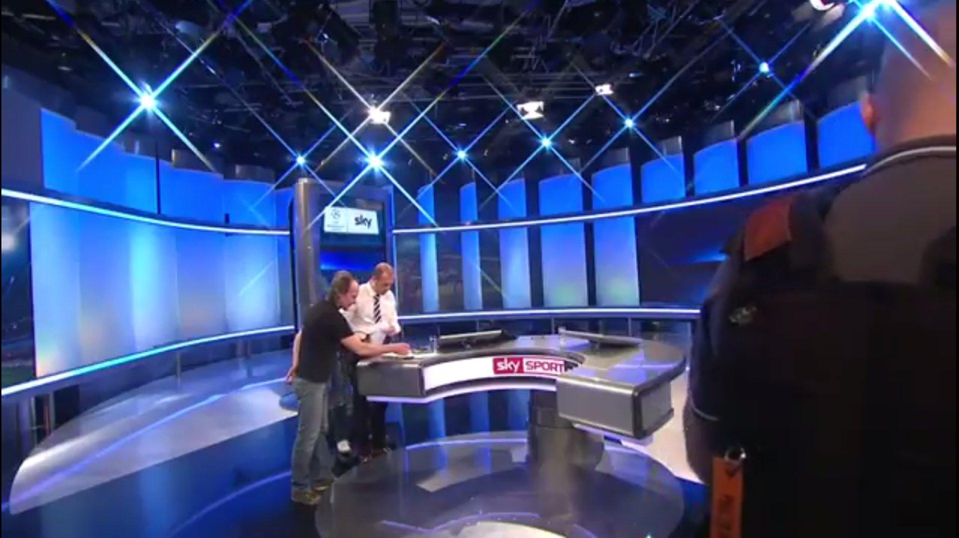 Die lustigsten Twitter-Reaktionen auf Sky-Moderator Wasserziehr