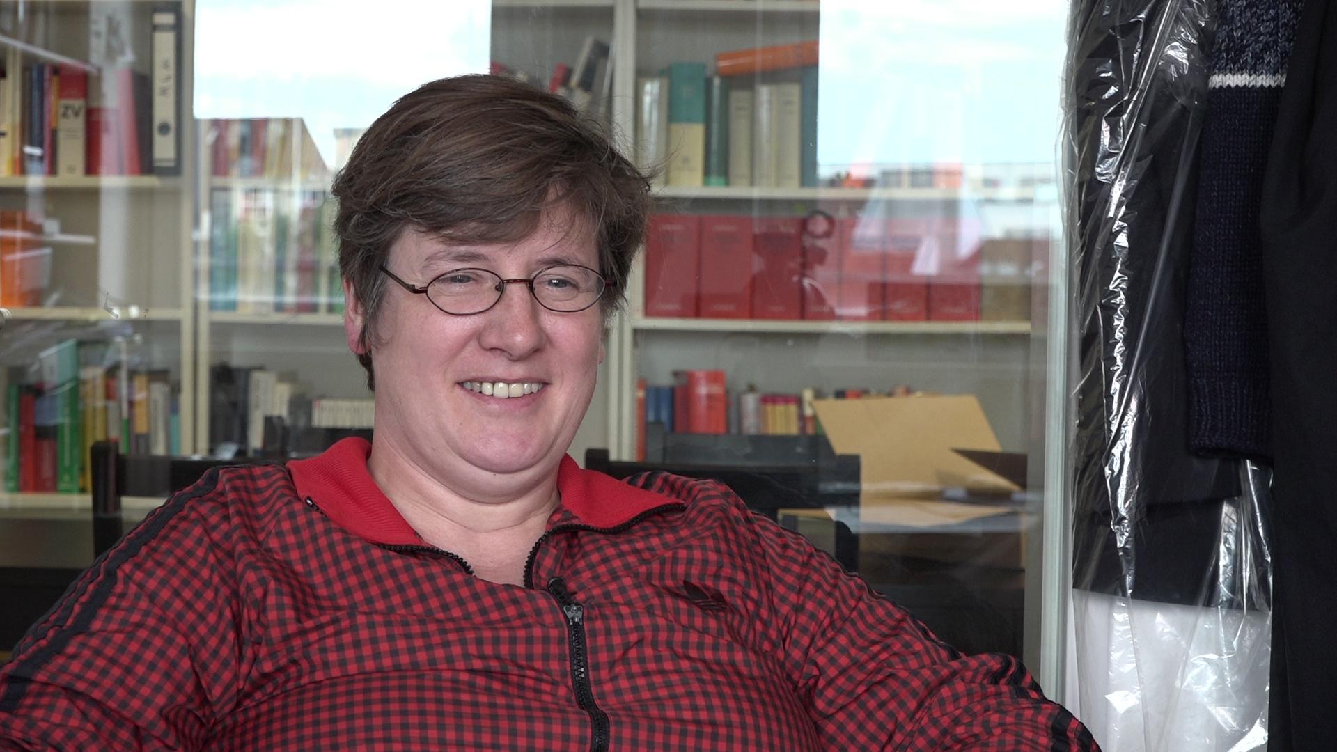 Anwalts-Notdienst beim G20 Gipfel, Britta Eder im dbate-Interview