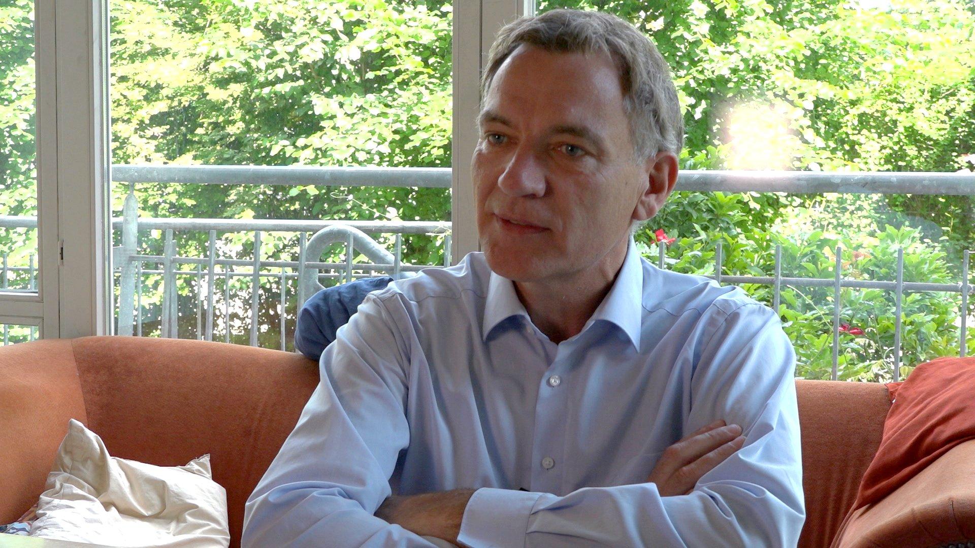 G20-Gipfel: Jan van Aken (DIE LINKE) über Protest und Gewalt