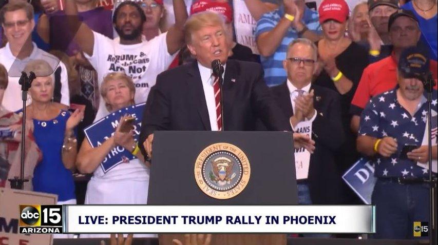 Charlottesville: Trump beschimpft die Medien – schon wieder!