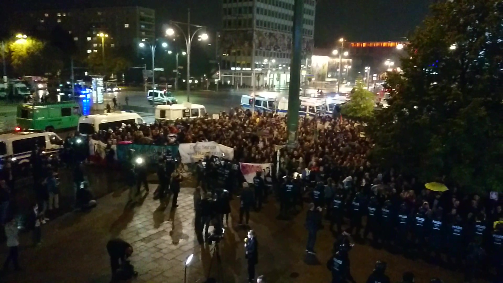Anti-AfD-Demo vor Wahlparty in Berlin