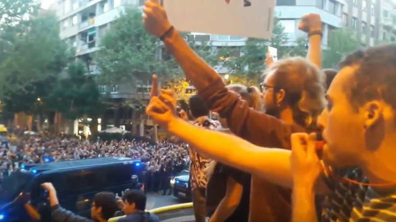 Referendum in Katalonien: Proteste nehmen zu