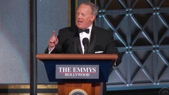 Emmys gegen Trump? Überraschungsauftritt von Sean Spicer