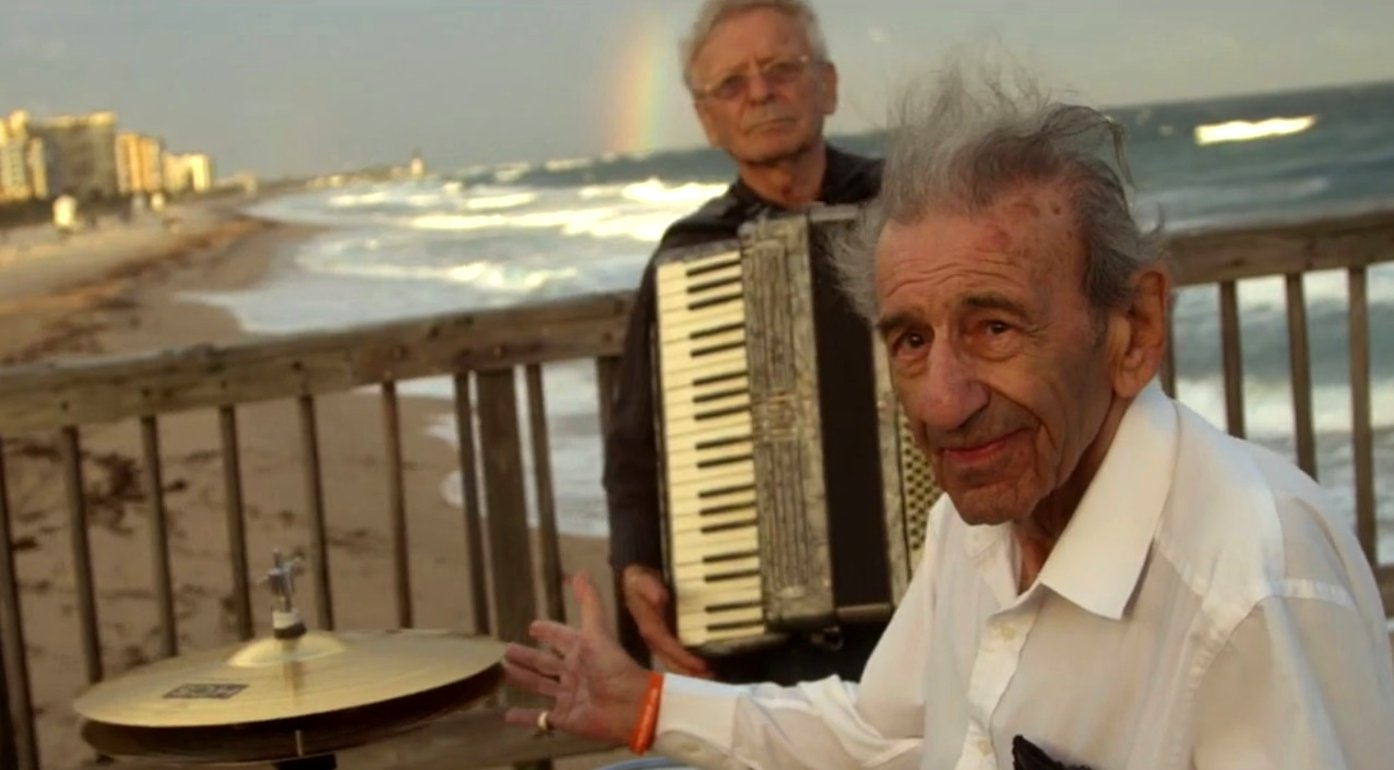 90-Jährige Holocaust-Überlebende gründen Band in Florida