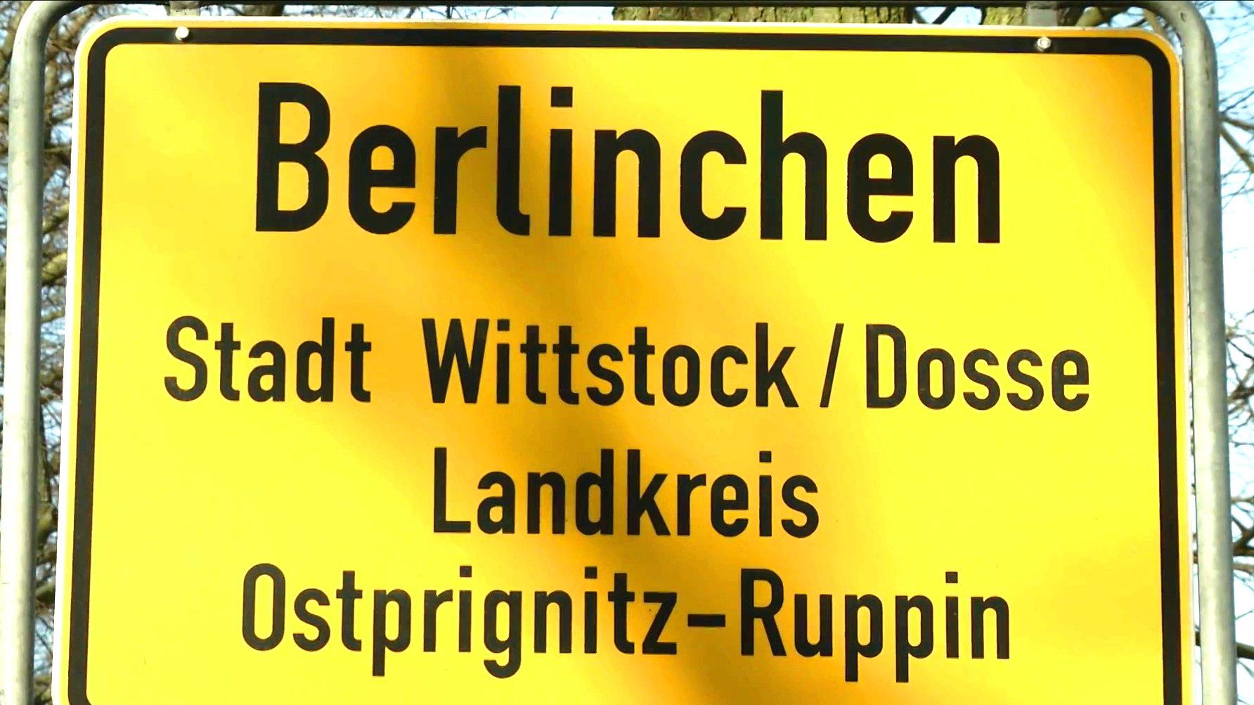 Ortsschild Berlinchen in Brandenburg.