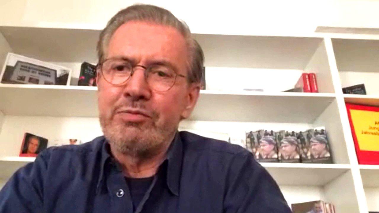 Publizist Jürgen Todenhöfer im Skype-Inerview, 2015