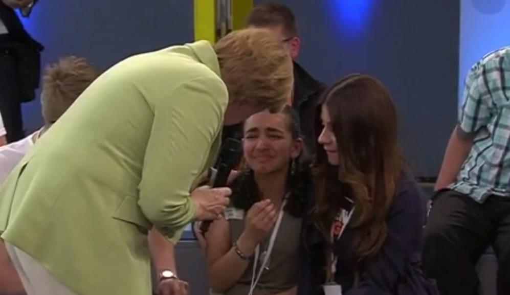 Flüchtlingskind bringt Merkel aus dem Konzept
