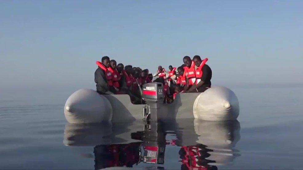 Der 100 Jahre alte Kutter der Sea-Watch auf der Suche nach Flüchtlingsbooten im Mittelmeer, 2015.