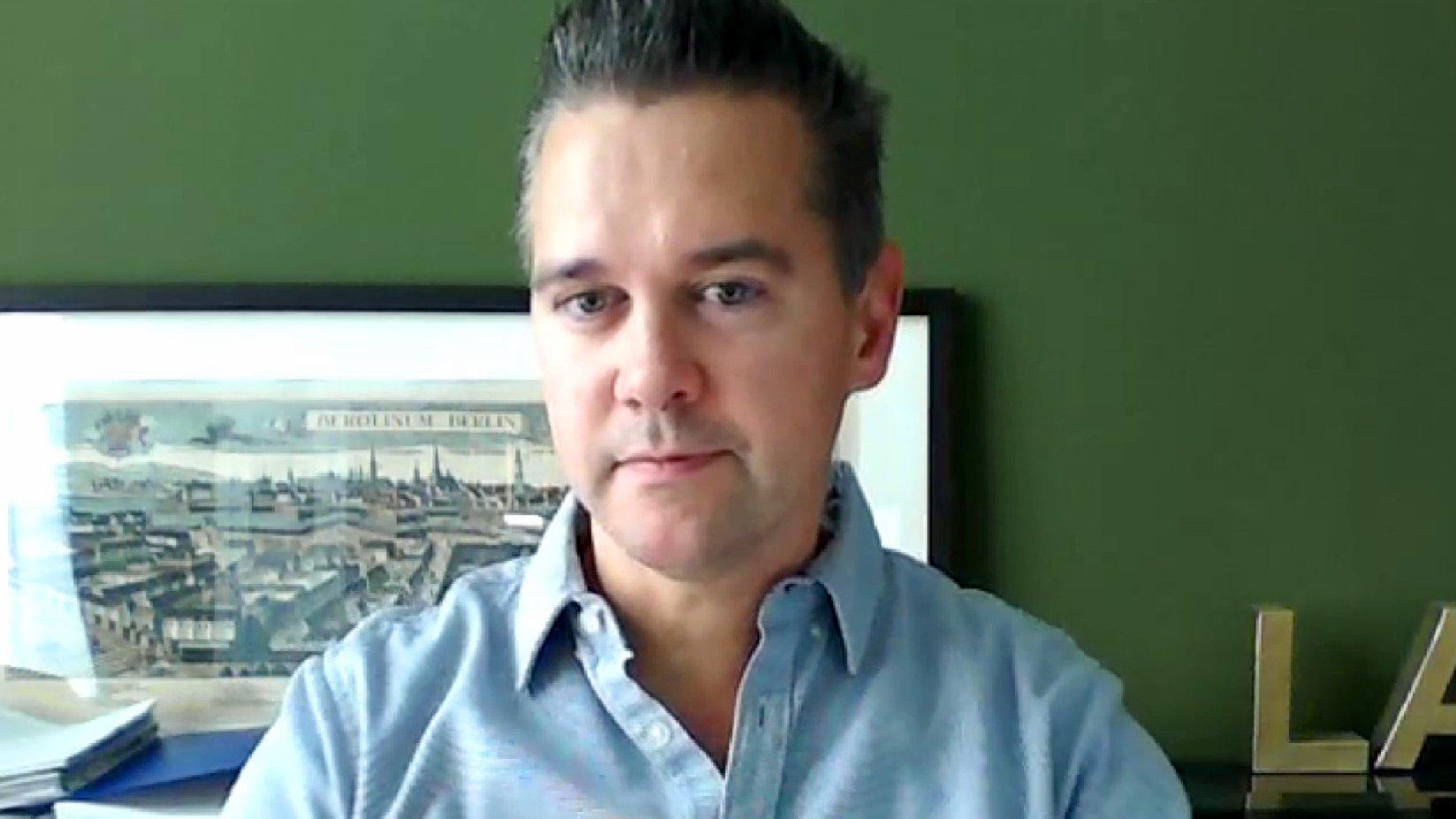 Journalismus-Professor Stephan Weichert zum DFB-Skandal, 2015.