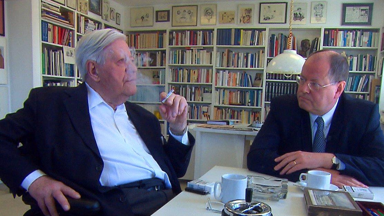 Altkanzler Helmut Schmidt und ex-Bundesfinanzminister Peer Steinbrück, 2010.