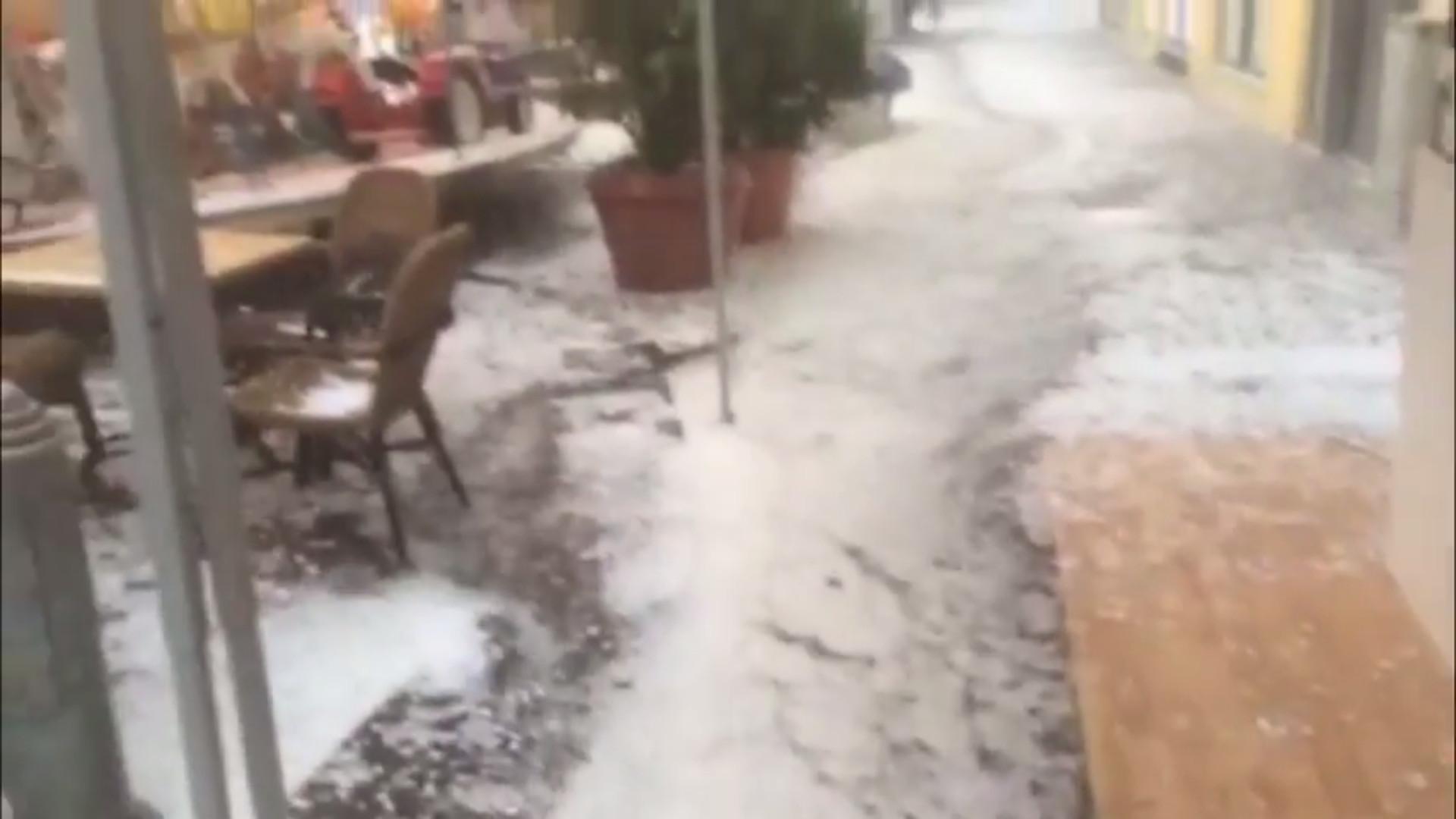 FLASH: Unwetter in Süddeutschland, Hagelkörner