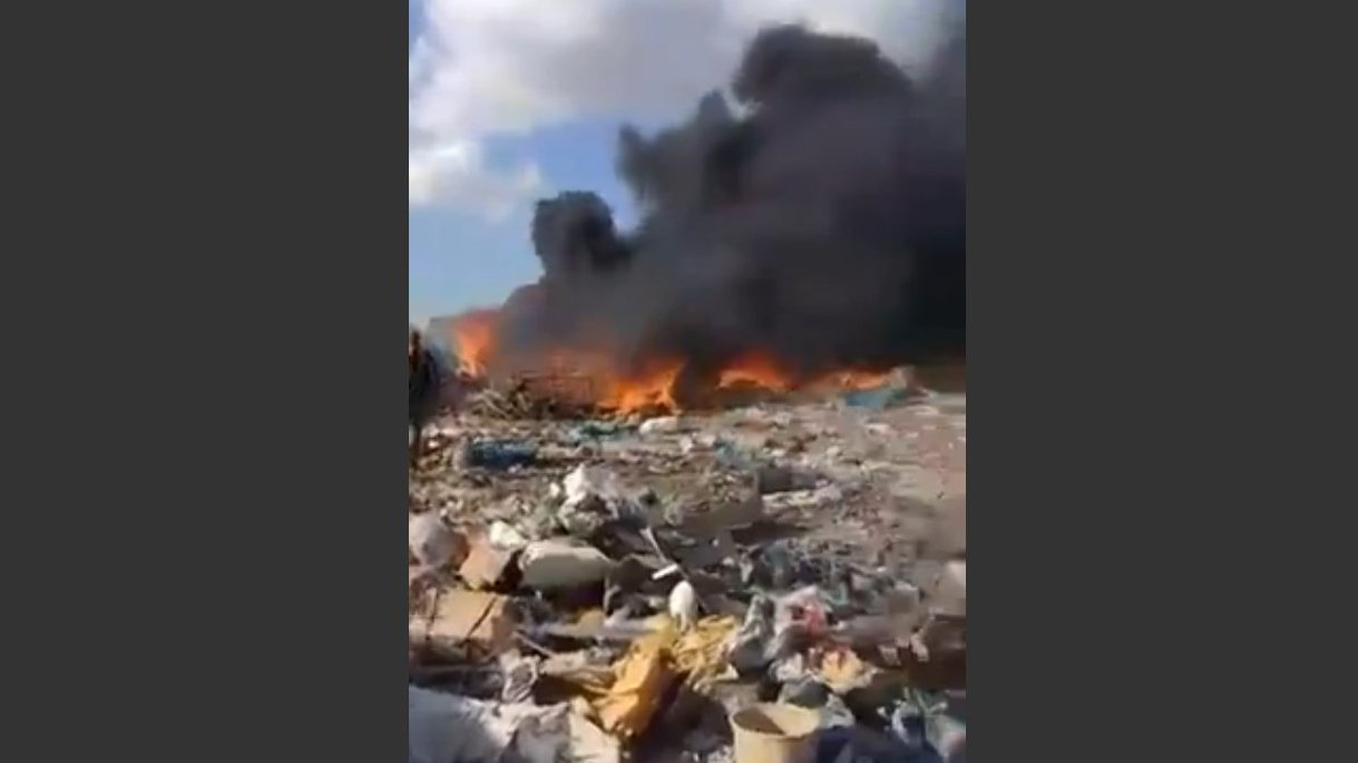 FLASH: Feuer und Zerstörung im syrischen Flüchtlingscamp