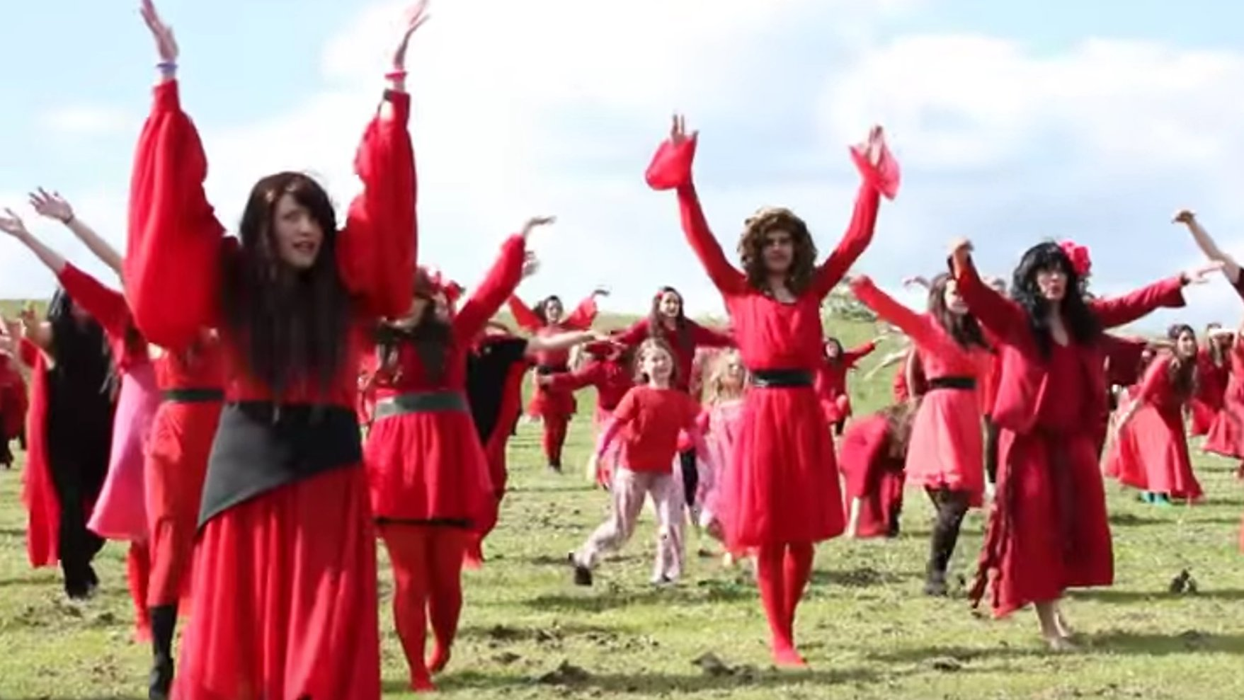 Flash: Kate Bush Flashmob in Berlin