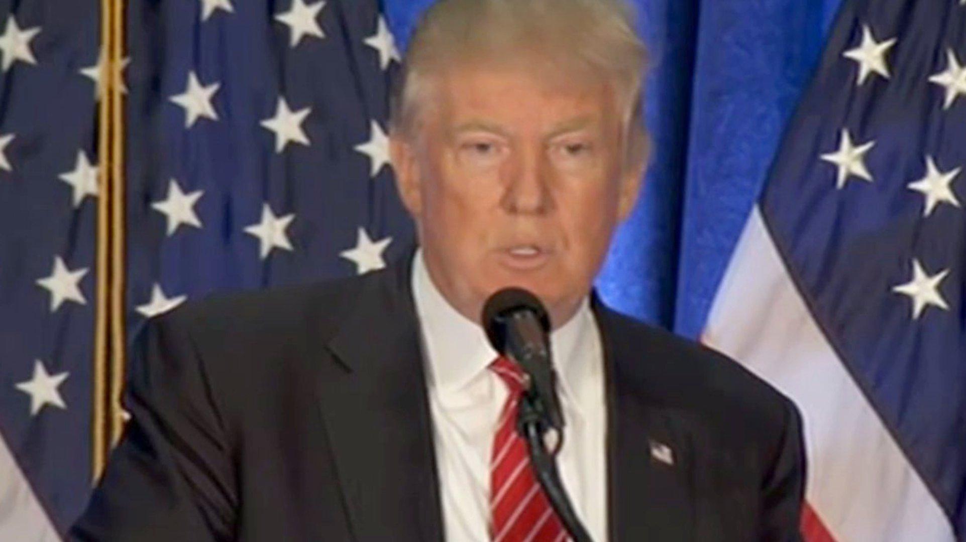 "Donald Trump bezeichnet Hillary Clinton als ""Amerikas Angela Merkel"""