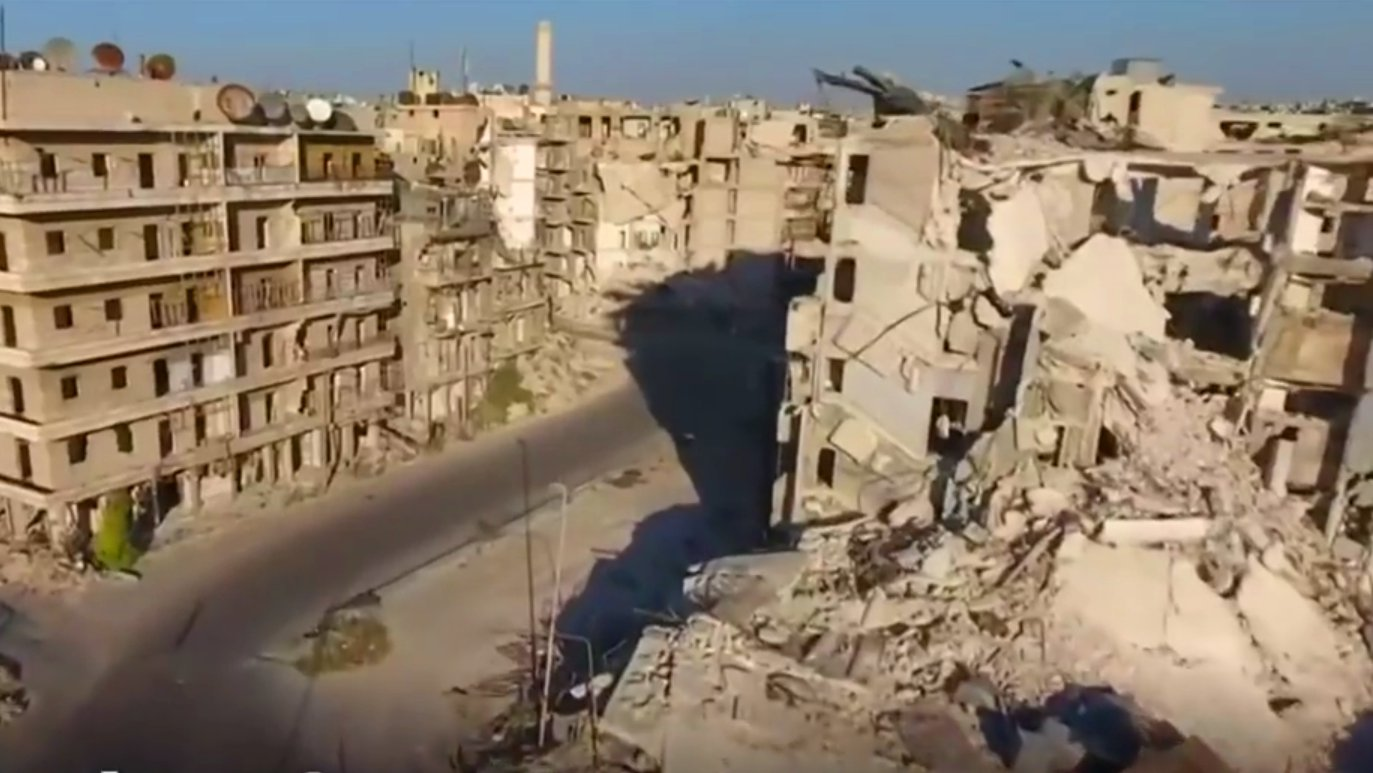 Drohnen-Video von der zerstörten Stadt Aleppo