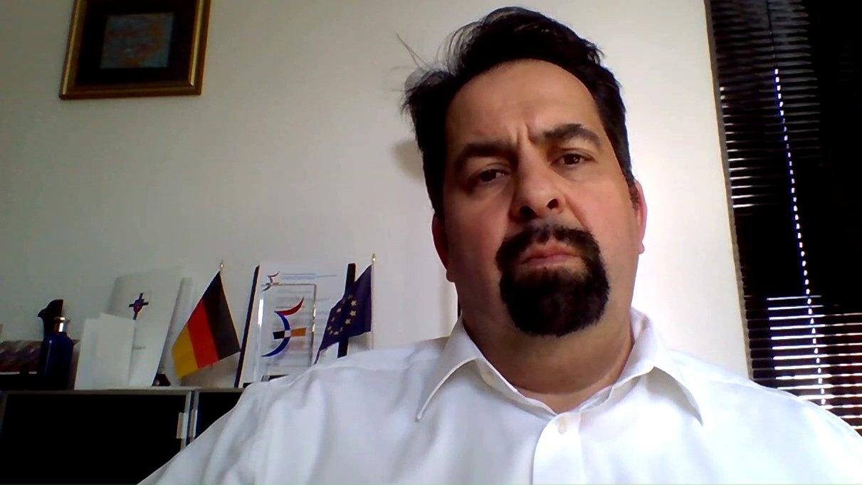 """Aiman Mazyek (Zentralrat der Muslime) im dbate-Interview: """"Terror fragt nicht nach der Religion"""""""