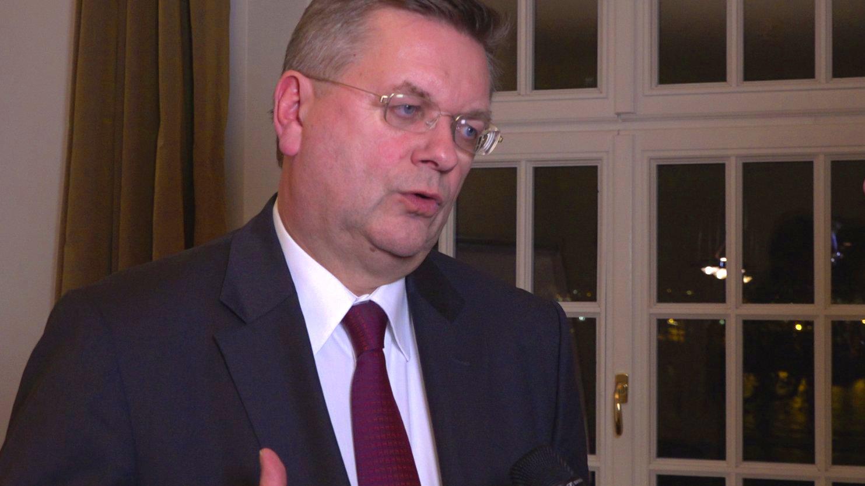 DFB-Präsident Reinhard Grindel über das Fußball-Jahr 2016