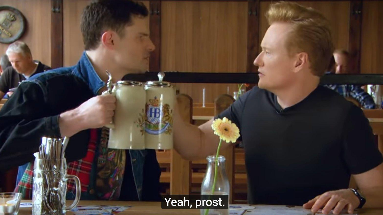 Conan O'Brien lernt deutsch mit Flula Borg