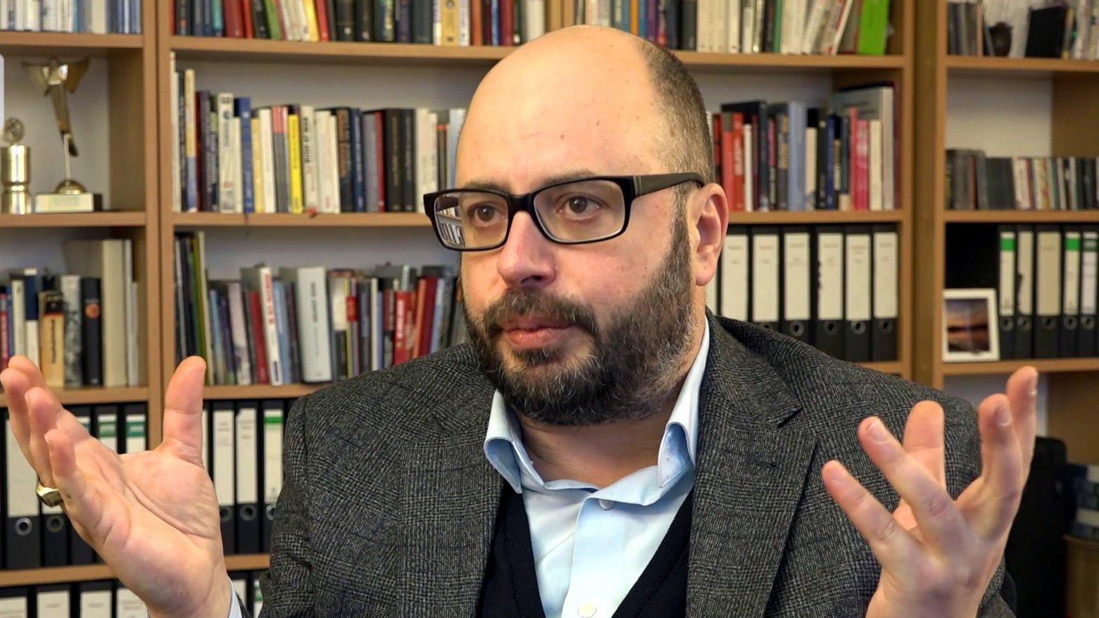 """""""Racial Profiling"""" in Deutschland: Interview mit Sozialwissenschaftler Vassilis Tsianos"""