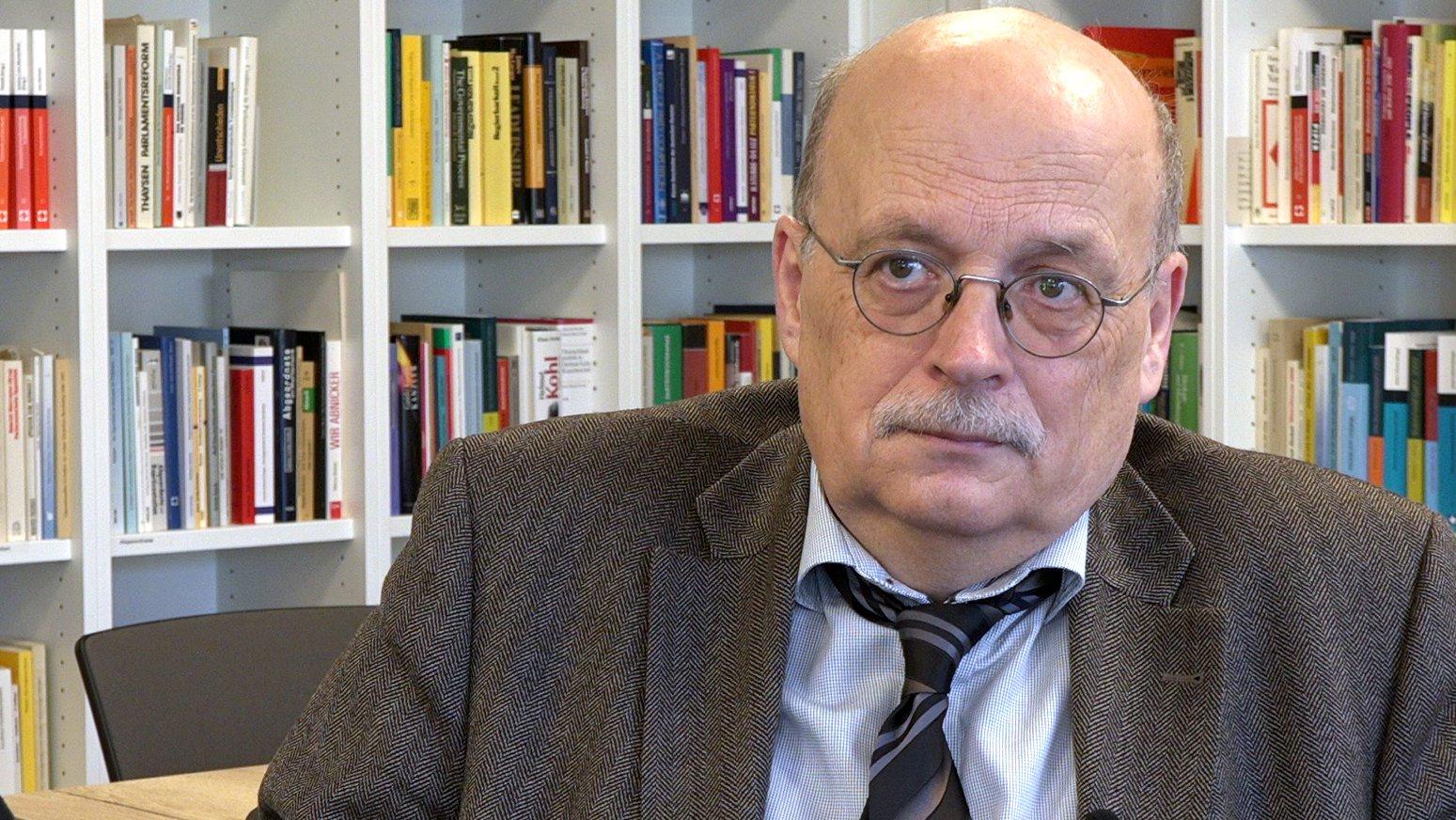 Wohin steuert die NATO? Interview mit Politik-Professor Krause