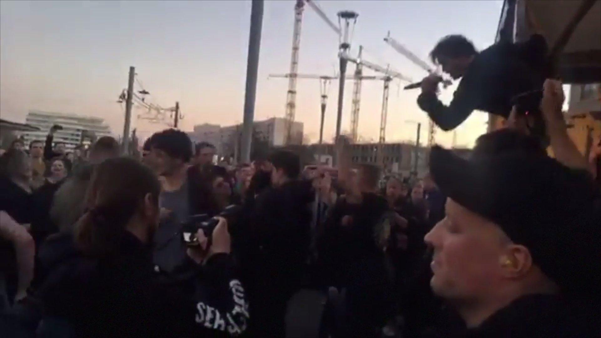 Toten Hosen gegen Pegida: Überraschungskonzert in Dresden