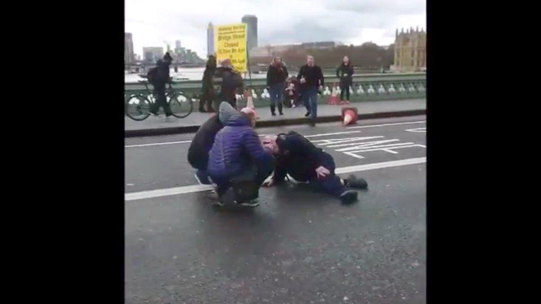 Augenzeugen-Videos: Schüsse vor britischem Parlament