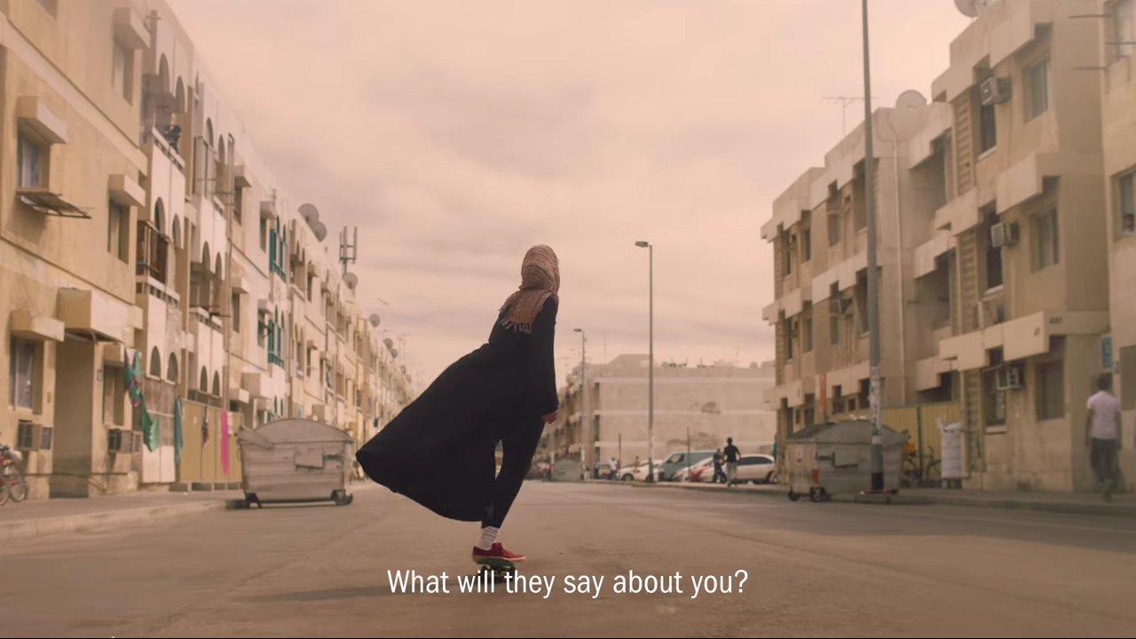 Erster Sport-Hijab für muslimische Frauen von Nike