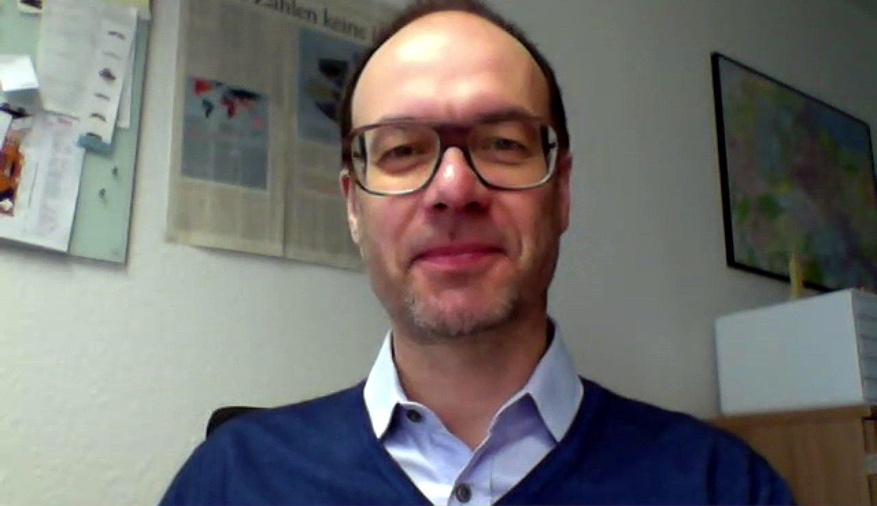 Wohin steuert die Piratenpartei? Interview mit Politik-Professor Christoph Bieber (dbate)