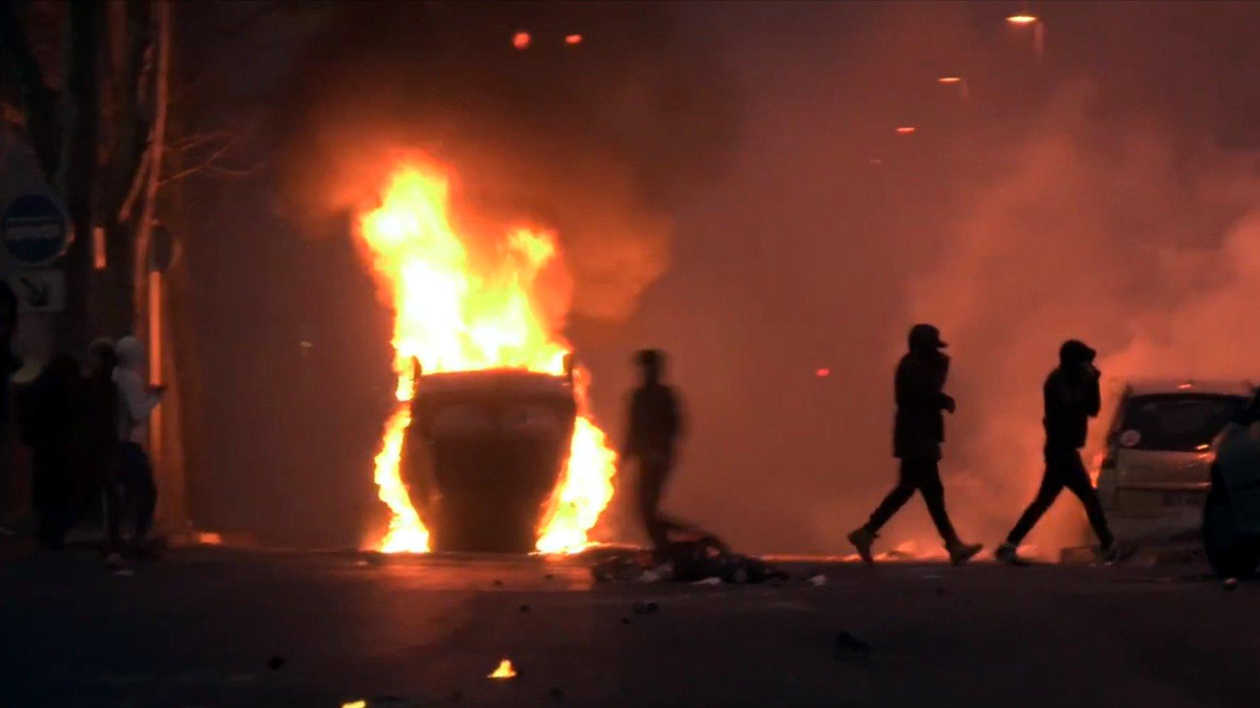 dbate-Webdoku: Krawall in Paris – Erlebnisse einer Reporterin